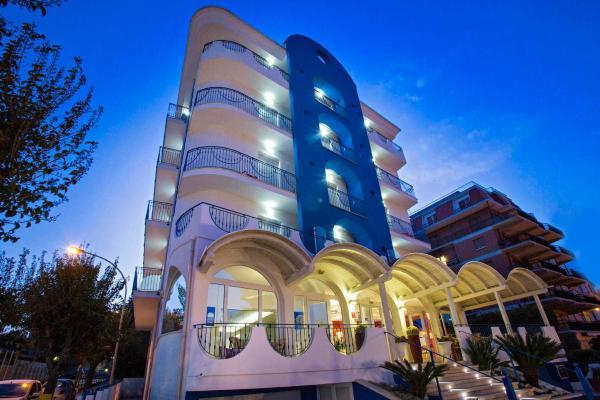 Hotel Ambassador 3* ☆ Grottammare, Costa Marchigiana, Italia (19 ...