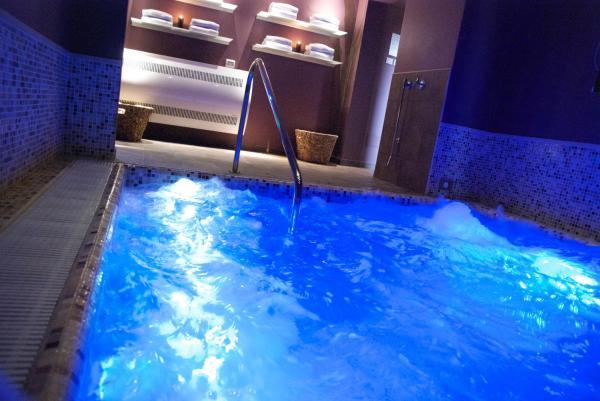 Vasca Da Bagno Sovrana Prezzi.Hotel Sovrana 4 Marina Centro Rimini Italia 37 Recensioni