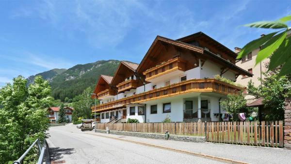 Hotel Pension Alpenhof ➜ Colle Isarco, Brennero, Italia (8 ...